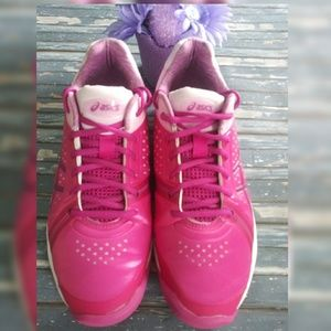 ASICS Women's Gel-Court Bella Tennis Sneaker